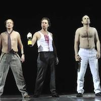 """Stadttheater Klagenfurt 2009 """"Die Dreigroschenoper"""" (mit Otto Jaus, Erwin Windegger, Boris Pfeifer) © Stadttheater Klagenfurt/Helge Bauer"""